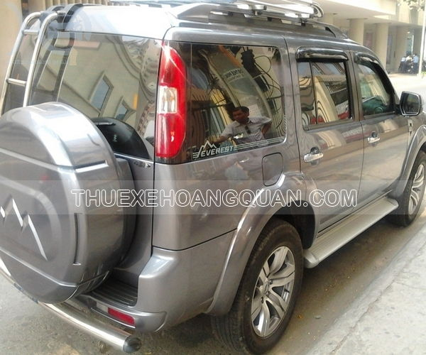 Thue-xe-Ford-Everest-7-cho (5)