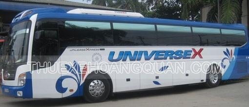 Thue-xe-Universe-45-cho (8)