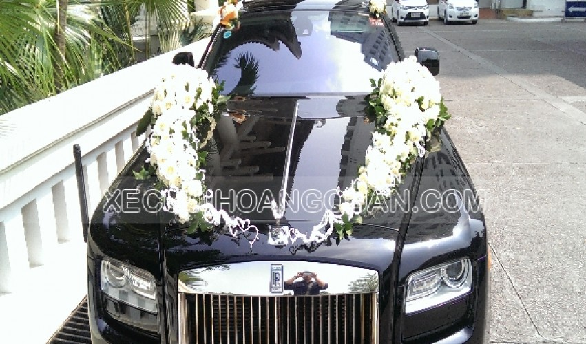 thue-xe-cuoi-roll-royce-Ghost (10)