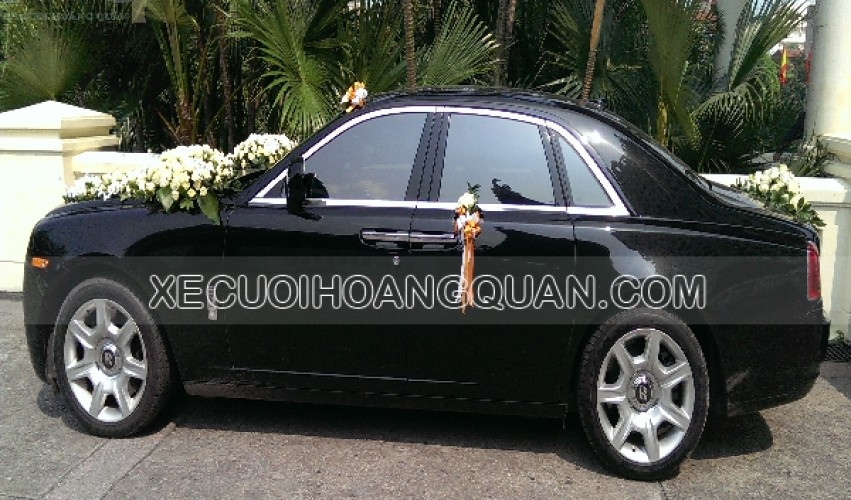 thue-xe-cuoi-roll-royce-Ghost (13)